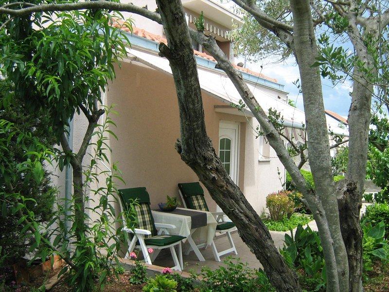Lukoran Apartment Sleeps 2 with Air Con - 5811347, alquiler vacacional en Lukoran