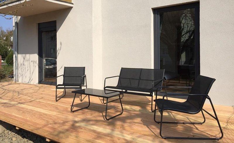 TINOsHOME Ferienwohnung mit Terrasse & Garten NEU, holiday rental in Upper Palatinate
