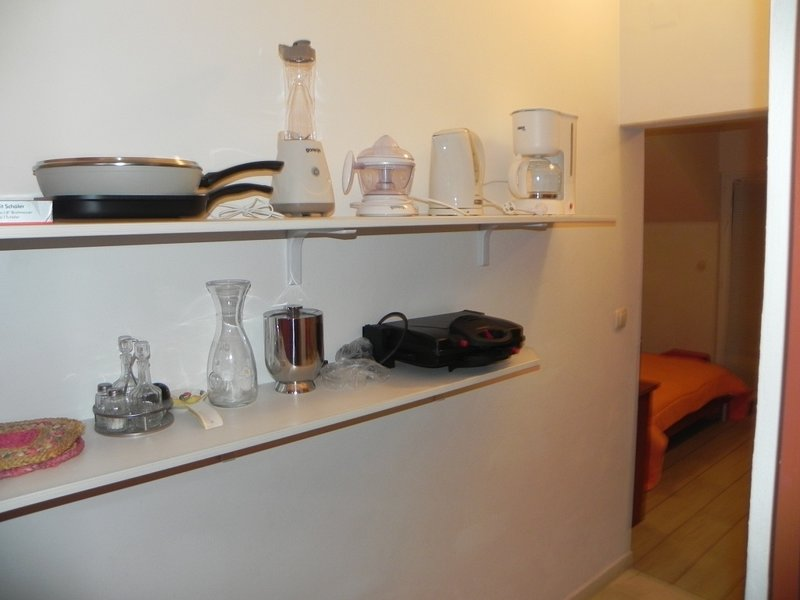 Korcula Apartment Sleeps 2 with Air Con - 5811404, holiday rental in Medvinjak