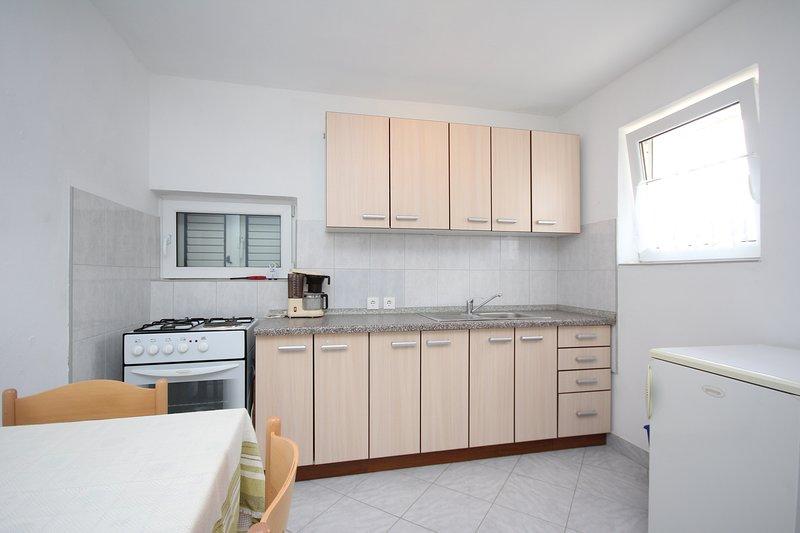 Holiday home 193445 - Holiday apartment 233590, holiday rental in Razanac