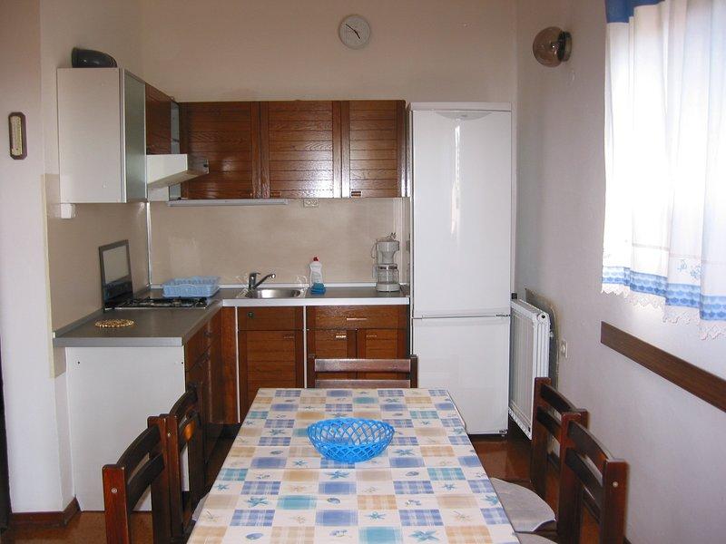 Malinska Apartment Sleeps 4 - 5811480, location de vacances à Radici