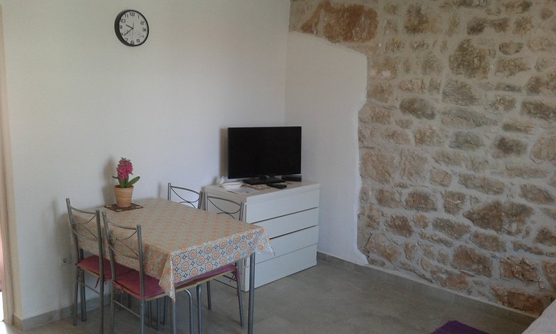 Spadici Apartment Sleeps 2 with WiFi - 5811414, location de vacances à Mali Maj