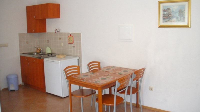 Poljica Kozicka Apartment Sleeps 2 with Air Con and WiFi - 5811502, alquiler de vacaciones en Poljica