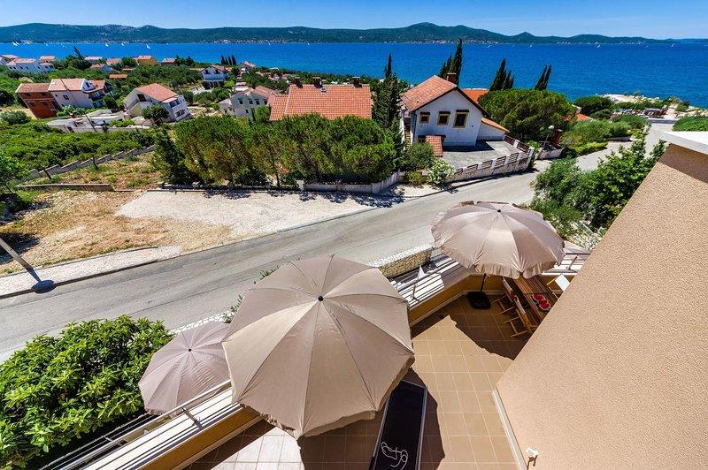 Krmcina Apartment Sleeps 6 with Air Con - 5787944, holiday rental in Sveti Petar na Moru