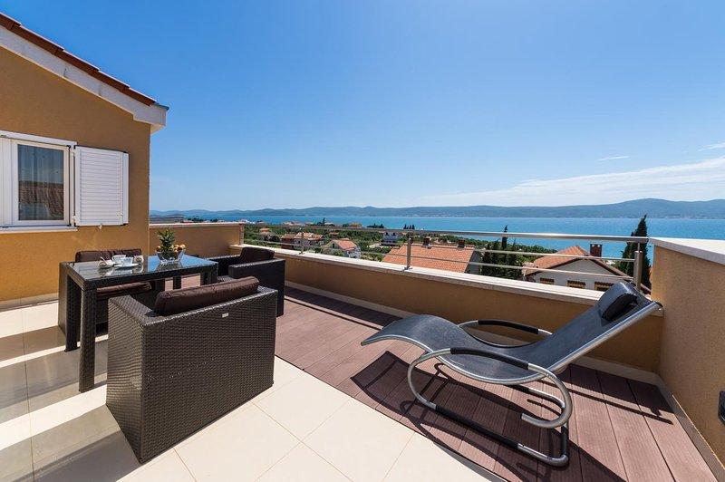 Krmcina Apartment Sleeps 4 with Air Con - 5787942, holiday rental in Sveti Petar na Moru