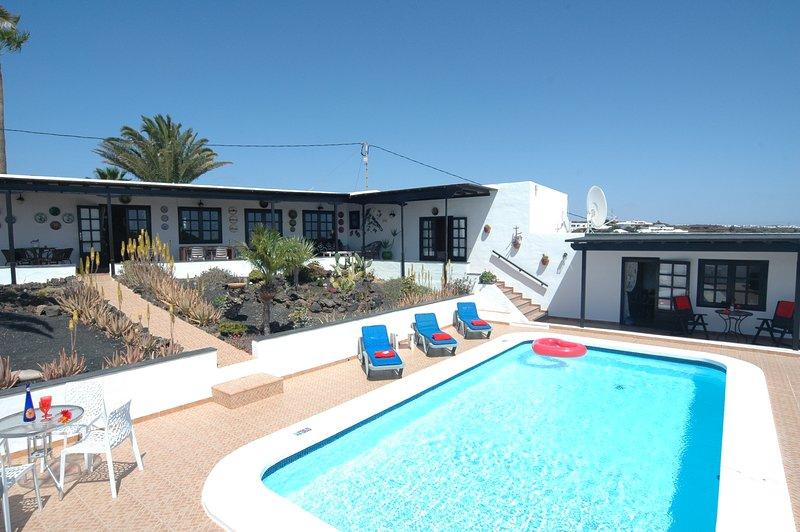 Home from Home! Fantastic villa in Macher Ref LVC198622, alquiler de vacaciones en Mácher