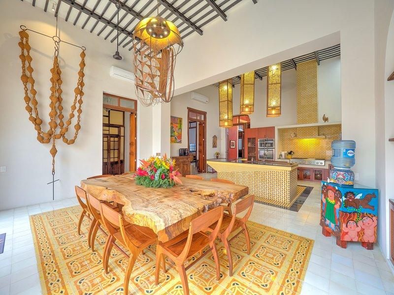 Casa Tres Dragones -- The Ultimate in Luxury, vacation rental in Merida