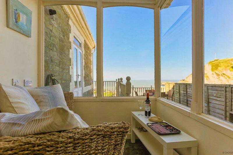 ILFRACOMBE RAPHAEL | 2 Bedrooms, Ferienwohnung in Ilfracombe