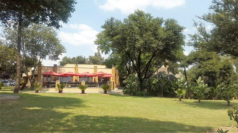 Accommodation in fourways, holiday rental in Lanseria