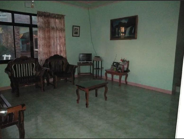 Azon Homestay #1, location de vacances à Ilocos Region