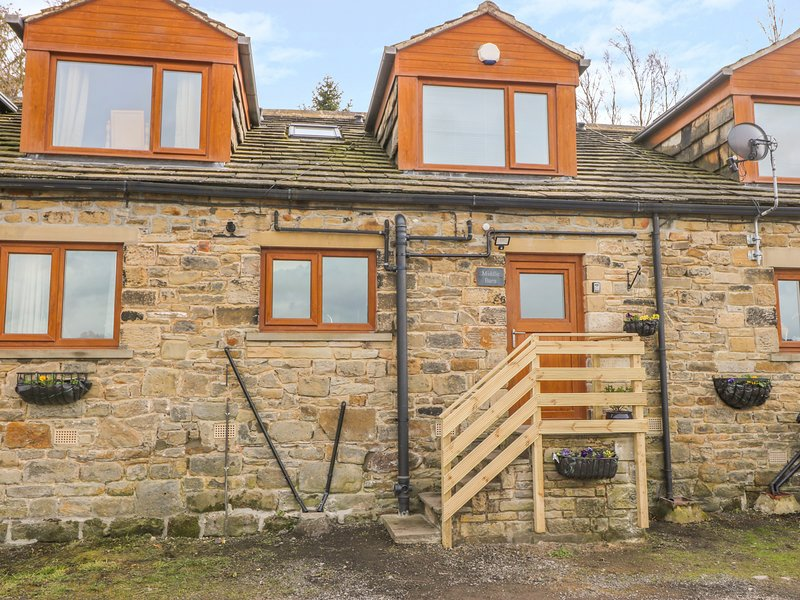 DORMER BUNGALOW, En-suite, Woodburner, Country views, near Haworth, alquiler vacacional en Bingley