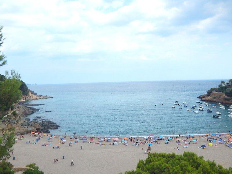 Begur, Pequeño Apartamento en Sa Riera a 400 m de la plage, holiday rental in Begur