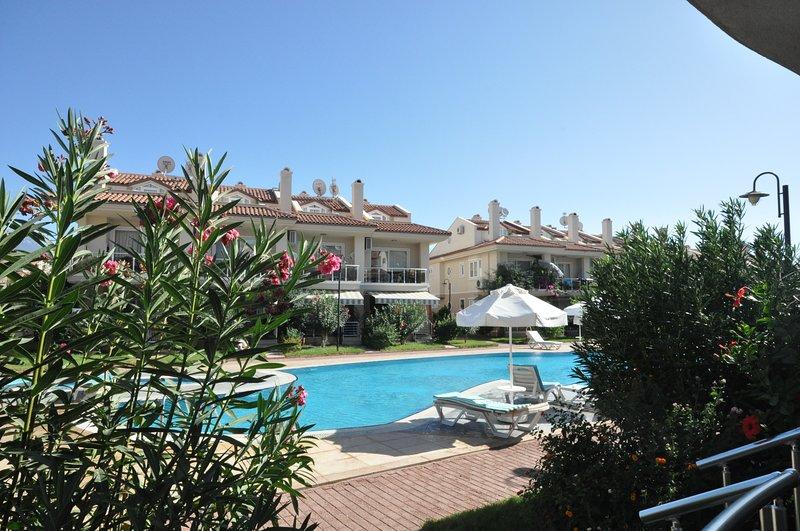 Sunset Beach Club Calis Beach Apartment, vacation rental in Fethiye