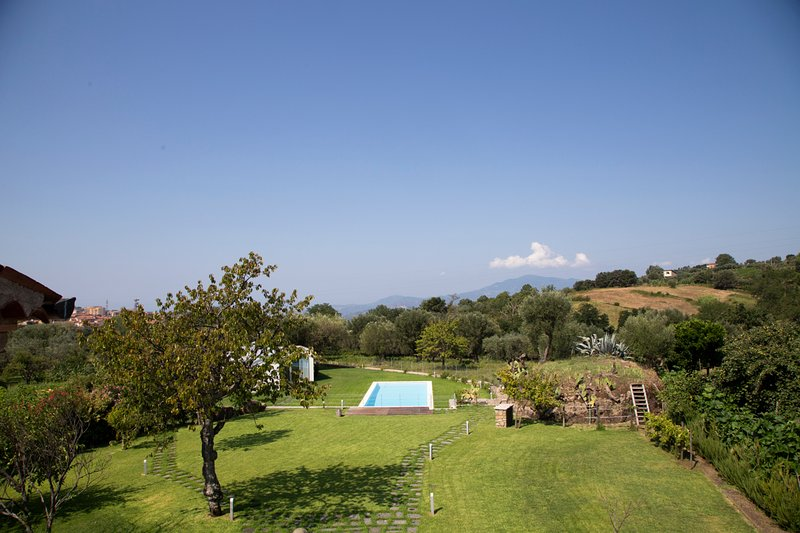 Angellara Villa Sleeps 12 with Pool and Air Con - 5787019, holiday rental in Piano-Vetrale