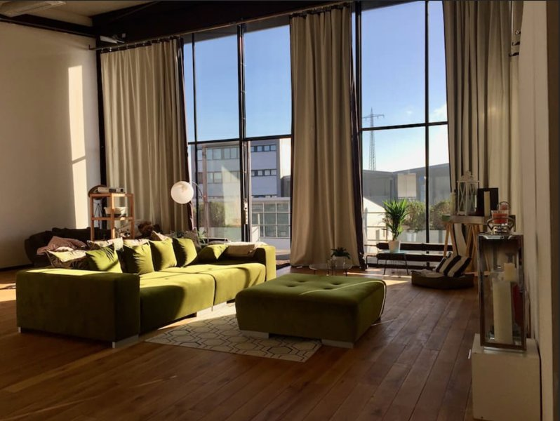 luxuriöses 150 qm Loft mit Blick auf den Rheinturm, holiday rental in Krefeld