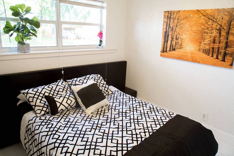 ☄Cuddly Room w/ Queen Size Bed & Roku TV☄, casa vacanza a Miami Gardens