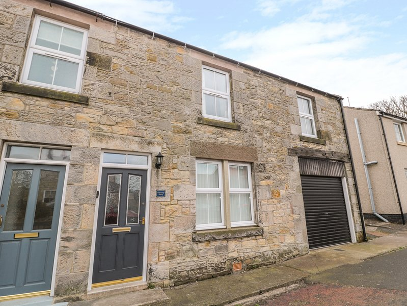 HASTING DAIRY, WiFi, Electric fire, Balcony, North Sunderland, location de vacances à Seahouses