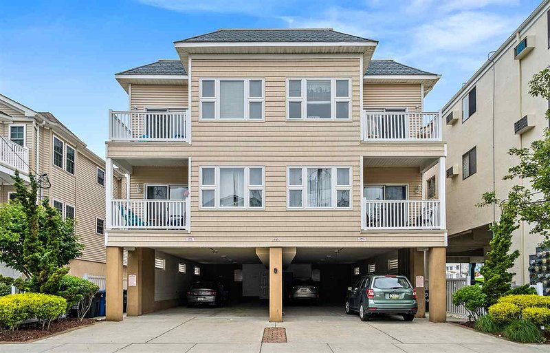 Perfect Location! One Block to Boardwalk, Watch the Fireworks from Rooftop Deck!, alquiler de vacaciones en Wildwood