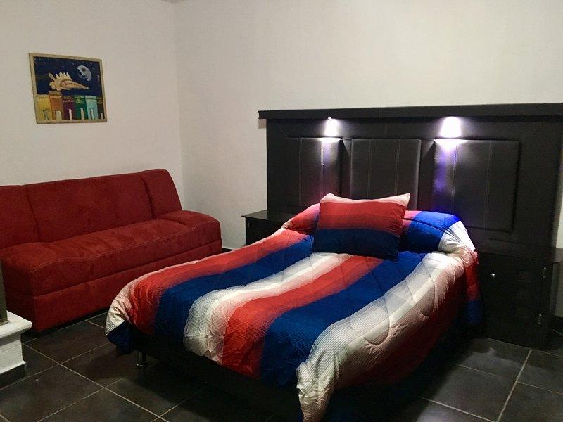 Céntrico y cómodo loft. Apt 4., location de vacances à San Patricio