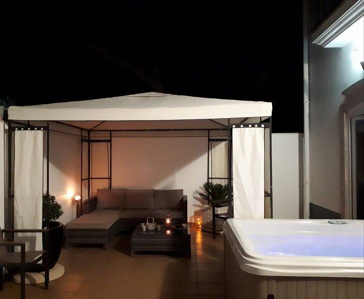 Charming Luz House - T2 Appartment with jacuzzi, location de vacances à Santo Estevao