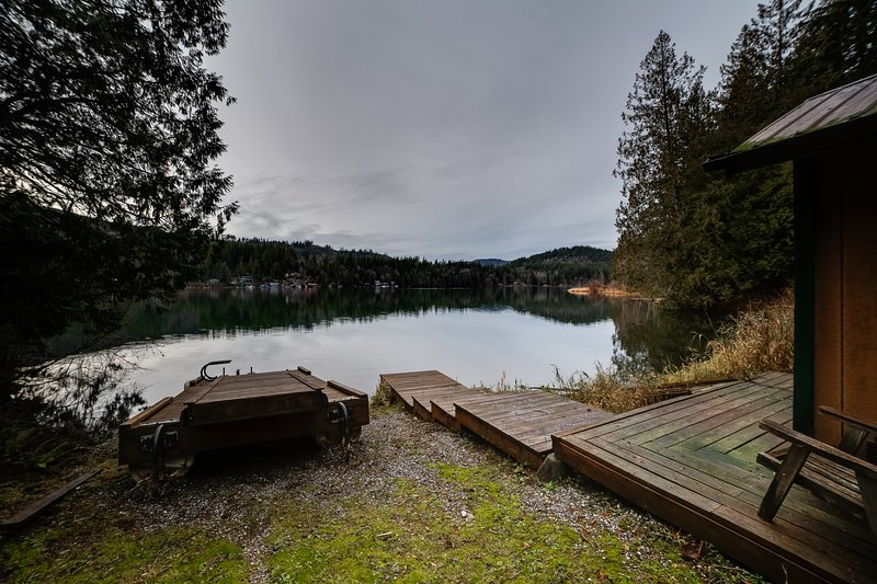 Dock access to Silver Lake