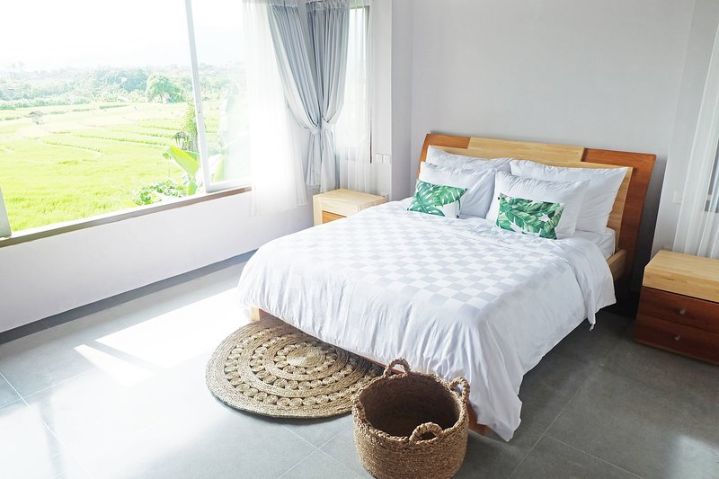 Villa Dew Canggu 4BR Private Pool with Stunning View of Rice Field, holiday rental in Tanah Lot