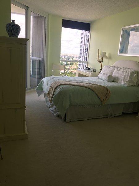 luxury condo 2 bedroom 2 bath, alquiler vacacional en Aventura