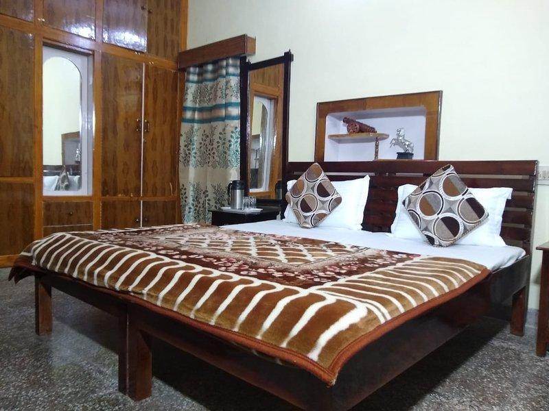juzO'sum - a home away from home, alquiler de vacaciones en Kangra District