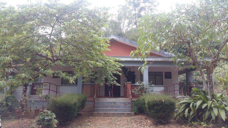 Green Acres Homestay, Ilehole, Chikkamagaluru, vacation rental in Mallandur