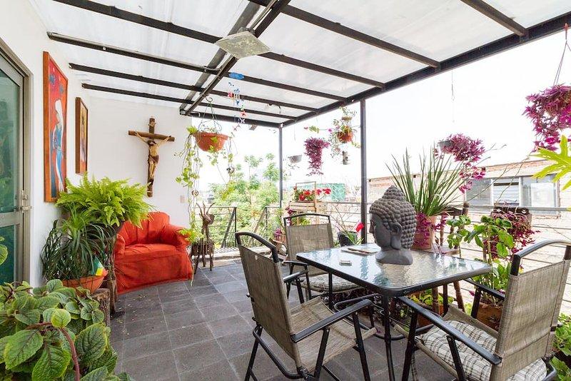 Céntrica recámara-suite con cocineta y baño. Suite 2., location de vacances à San Patricio