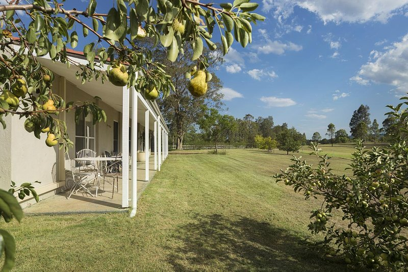 Hillcrest House - Pokolbin Hunter Valley, vacation rental in Rothbury