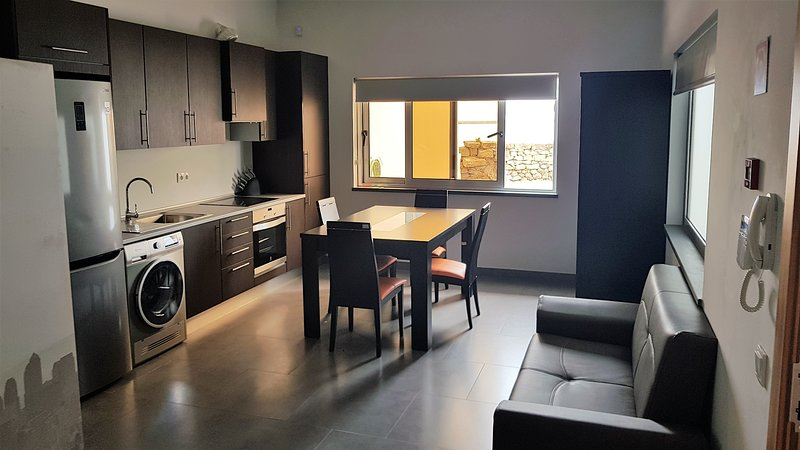 Black House I, vacation rental in Cabo Da Praia