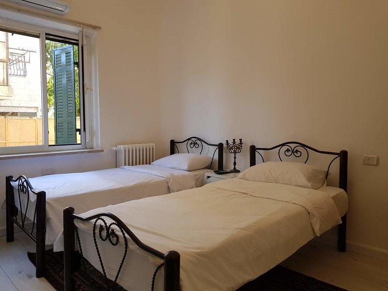 Tzefania Apartments 108, holiday rental in Binyamin Region