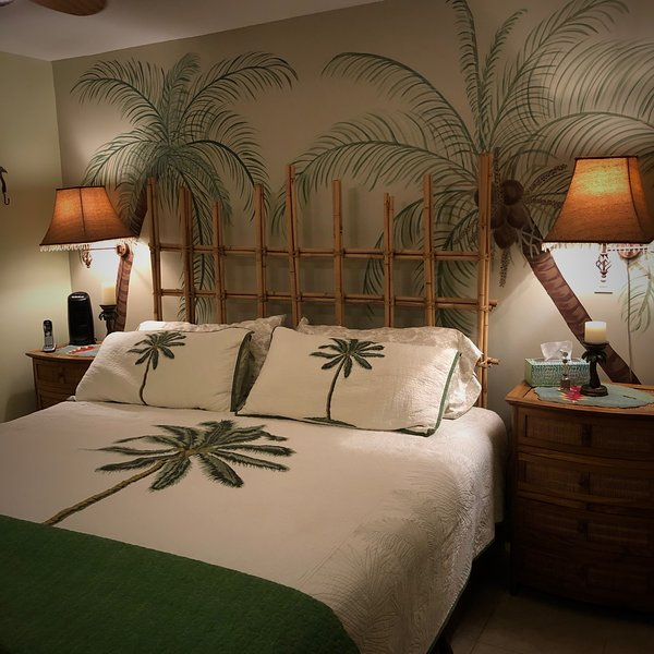 Unique Artist Condo's Home refreshed Spring 2019, holiday rental in Kihei