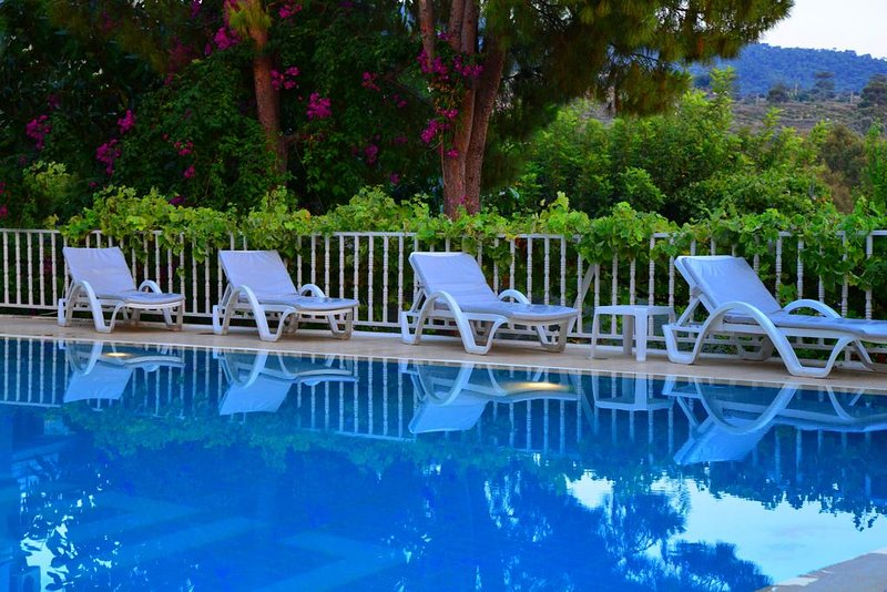 Golden Lighthouse  Double Room with Pool View 1, casa vacanza a Patara