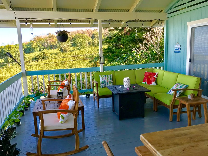 Secluded Recently  Remodeled Kona Farm, Breathtaking Ocean Views and Sunsets, vacation rental in Kealakekua