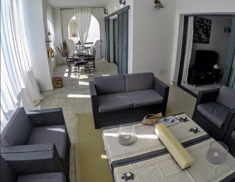Luxury apartment - Apartamento lujo en urbanización el polo de sotogrande, vacation rental in Pueblo Nuevo de Guadiaro