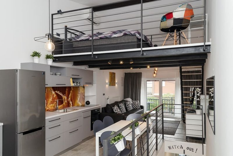 Grey Apartment Zagreb, holiday rental in Sesvete