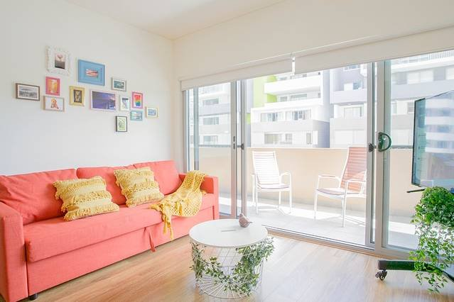 Sweet & clean one bedroom apartment in Wolli Creek, location de vacances à Arncliffe