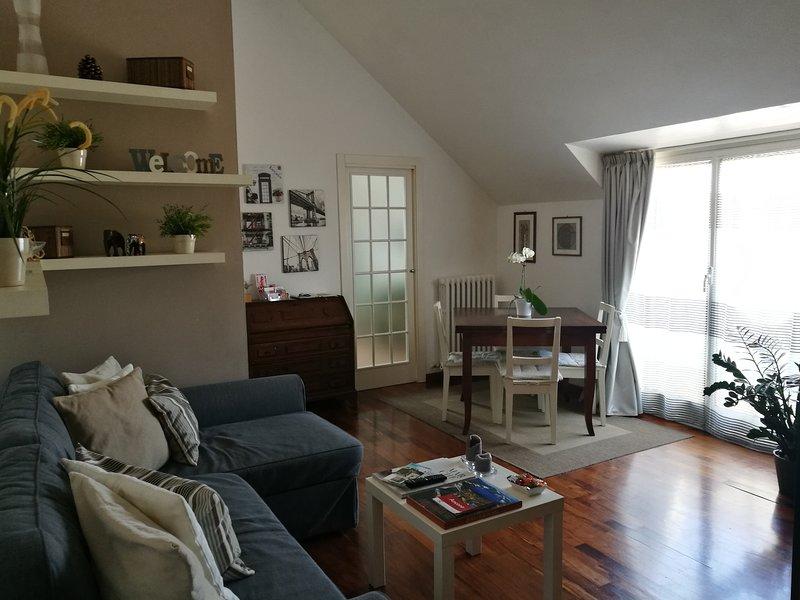 SPLENDIDA MANSARDA, vacation rental in Agugliano