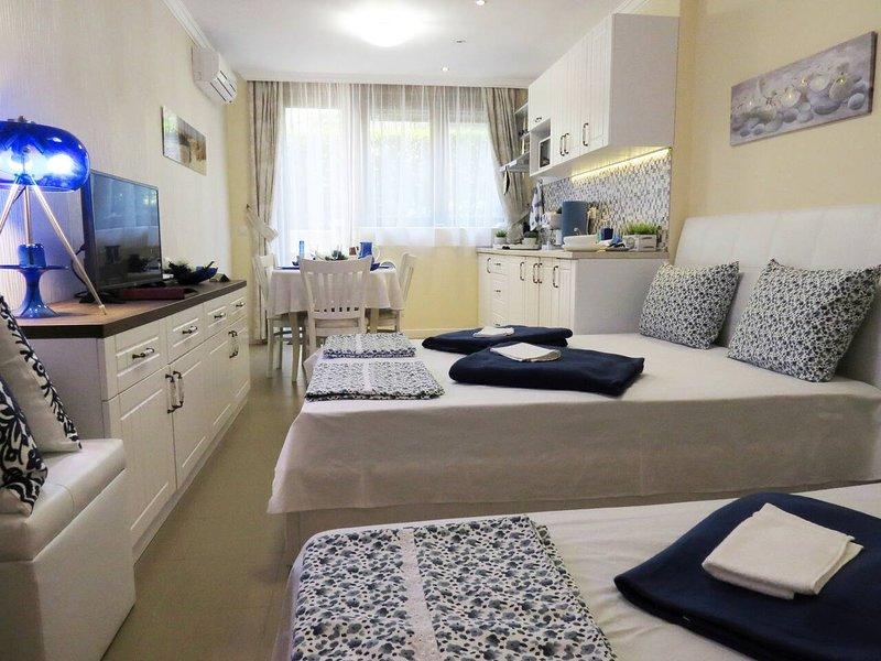 White Orchid Studio in Santa Marina Sozopol, aluguéis de temporada em Sozopol