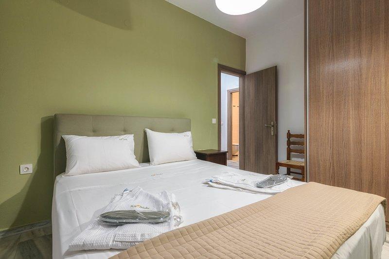 Two-Bedroom Apartment with Veranda, holiday rental in Kalamaki