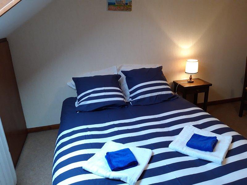 Confortables chambres doubles au centre ville de lourdes, vacation rental in Bartres