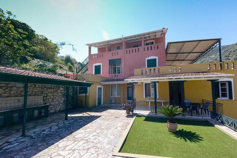 VHouse, holiday rental in Evgiros