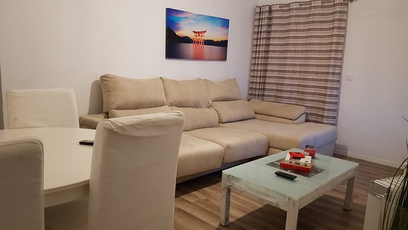 Beautiful Apartment in Cadiz, casa vacanza a Castellar de la Frontera