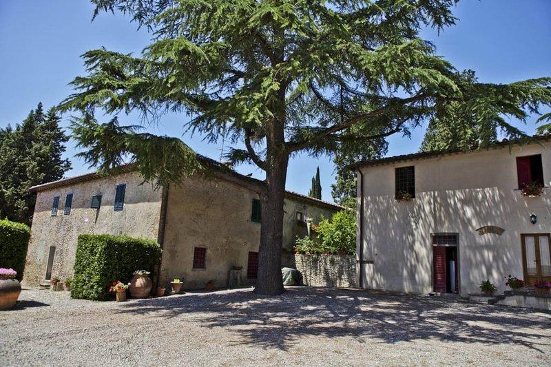 poggio Ausilia, wine estate, stunning lodging, pool, tastings, restaurant nearby, alquiler de vacaciones en Montespertoli