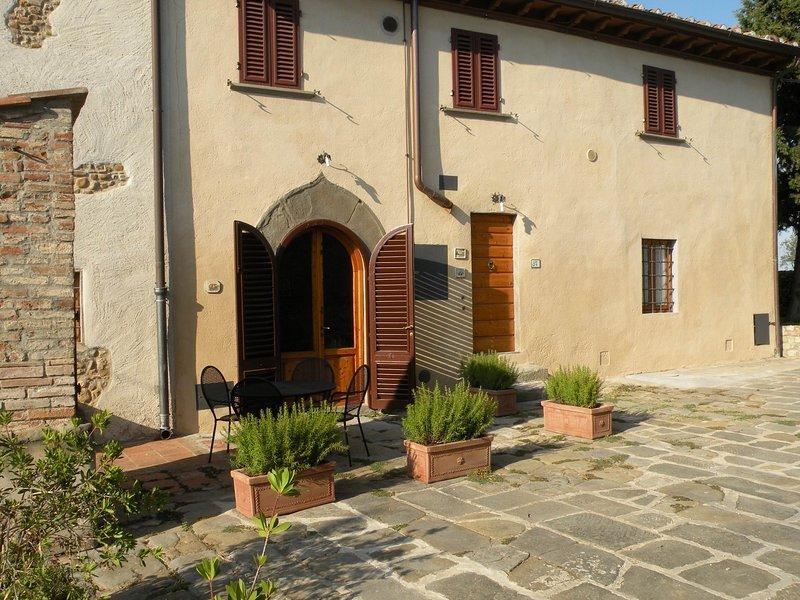 poggio noci,wine estate, stunning lodging, pool, tastings, restaurant nearby, holiday rental in Sammontana