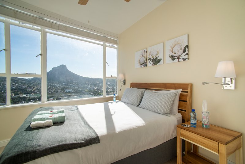 Sea view  2 bed apartment, holiday rental in Walmer Estate