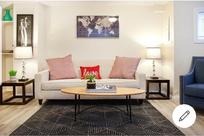 Amazing Logan Circle 2 bedroom bsmt Apt/ Convention center., casa vacanza a Distretto di Columbia
