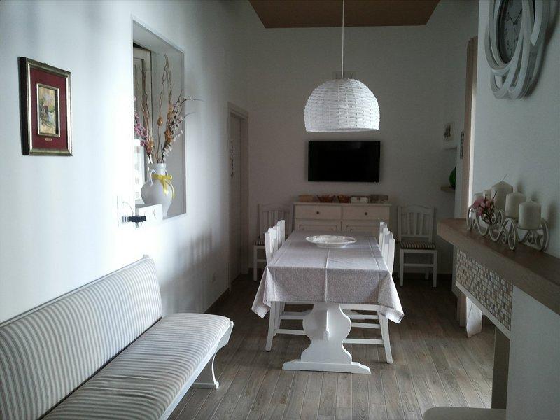 Beautiful apartment with garden, aluguéis de temporada em Fasano